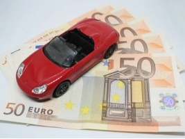 Чому важливо мати автомобіль у Львові?